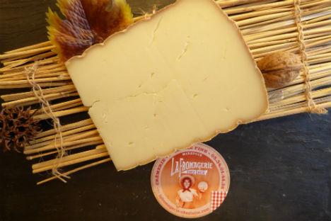 moulis-brebis-mirepoix-ariege-fromage
